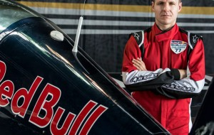DESTAQUE - francis-barros-piloto-aviao-red-bull-air-race