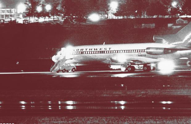 Momento em que o 727 foi reabastecido e passageiros liberados