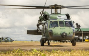 primeira-vez-o-helicoptero-black-hawk-da-fab-e-pilotado-por-mulheres-destaque