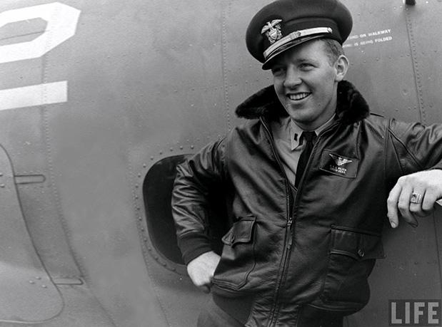 jaqueta-aviador-bomber-jacket-tendencia-moda-masculina (1)